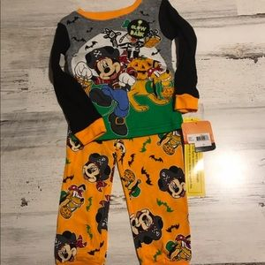 Other - MICKEY PLUTO AND FRIENDS HALLOWEEN PAJAMA SET BOYS